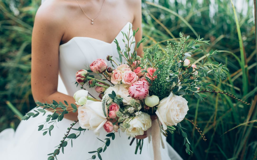 Successfully Achieving Your Dream Wedding Day Through Budgeting
